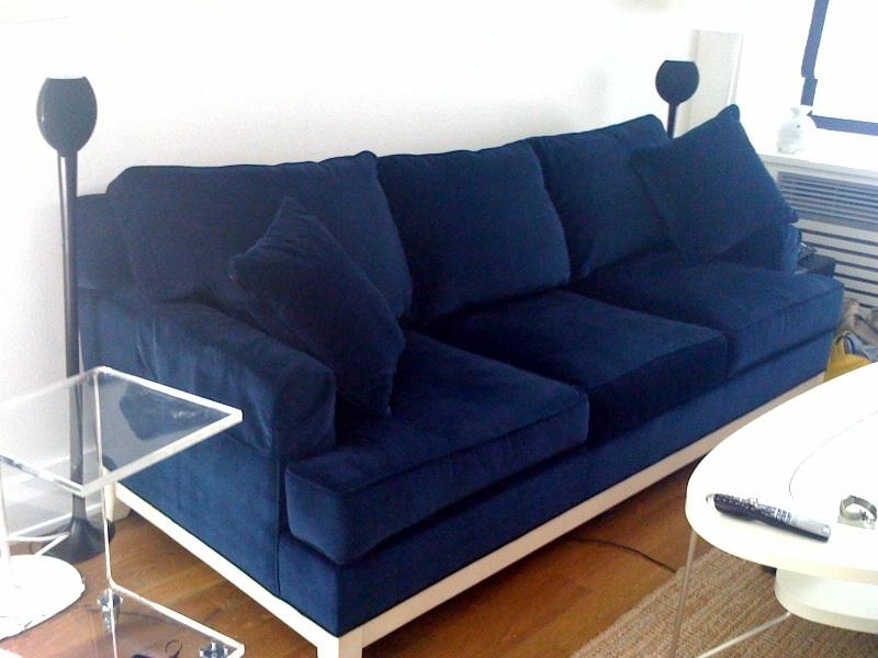 Sketch42 ensconced in velvet navy blue - Navy blue velvet sofa ...