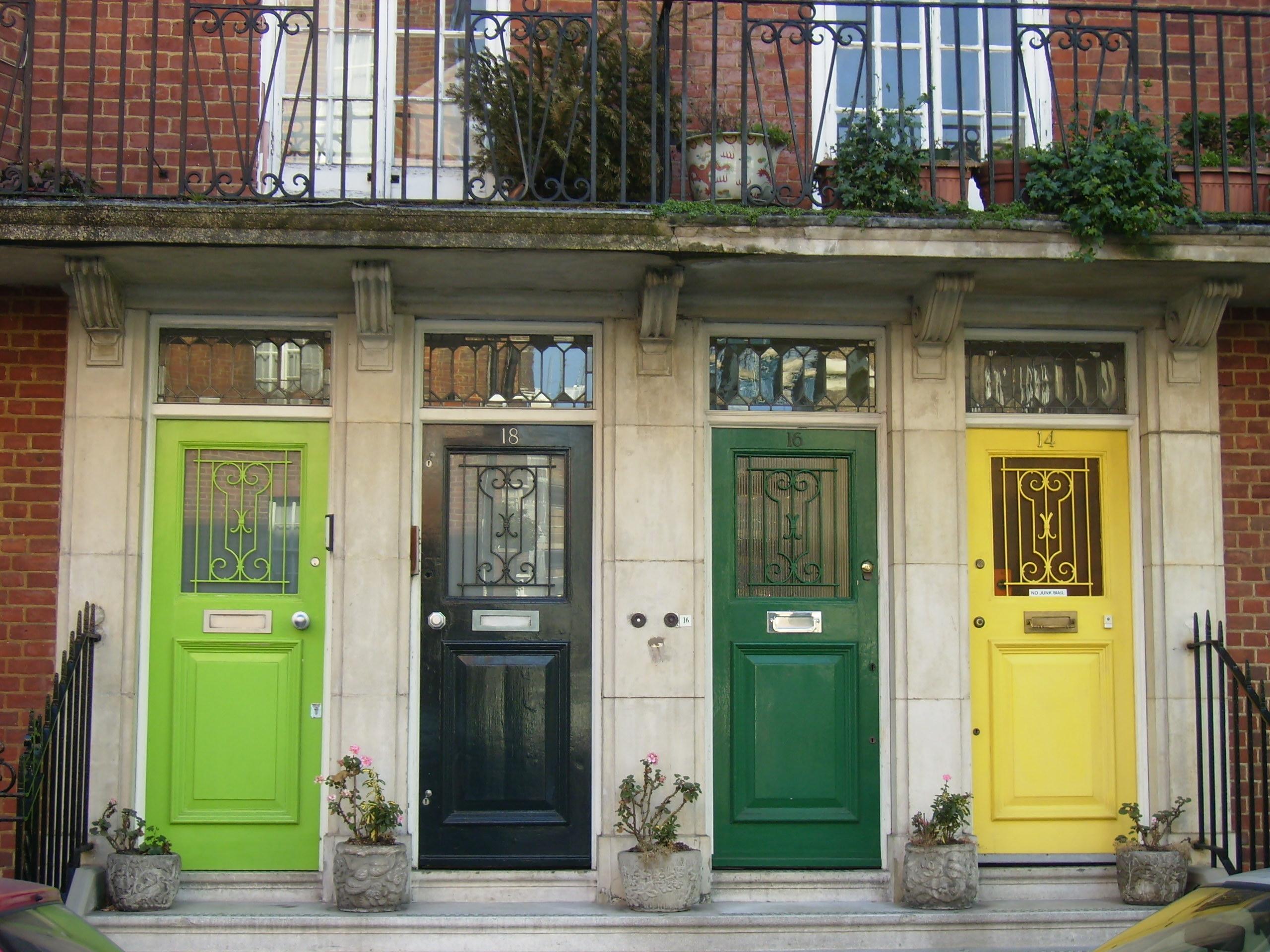Decorate your doors! & Decorate your doors! : NICOLE COHEN